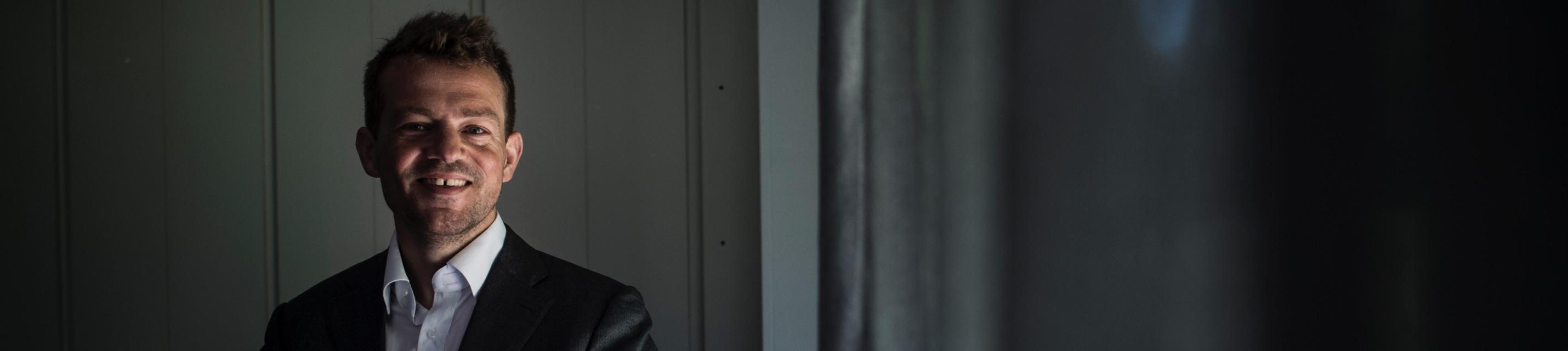Esben Østergaard - Contact